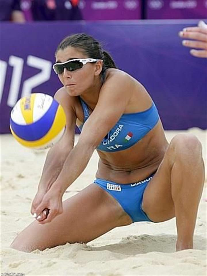 Volleyball accidental nudity 2